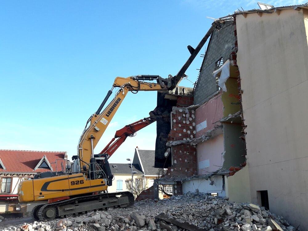 Helfaut Travaux, entreprise de démolition, déconstruction, désamiantage et recyclage de matériaux à Helfaut Nord-Pas de Calais-hauts de France