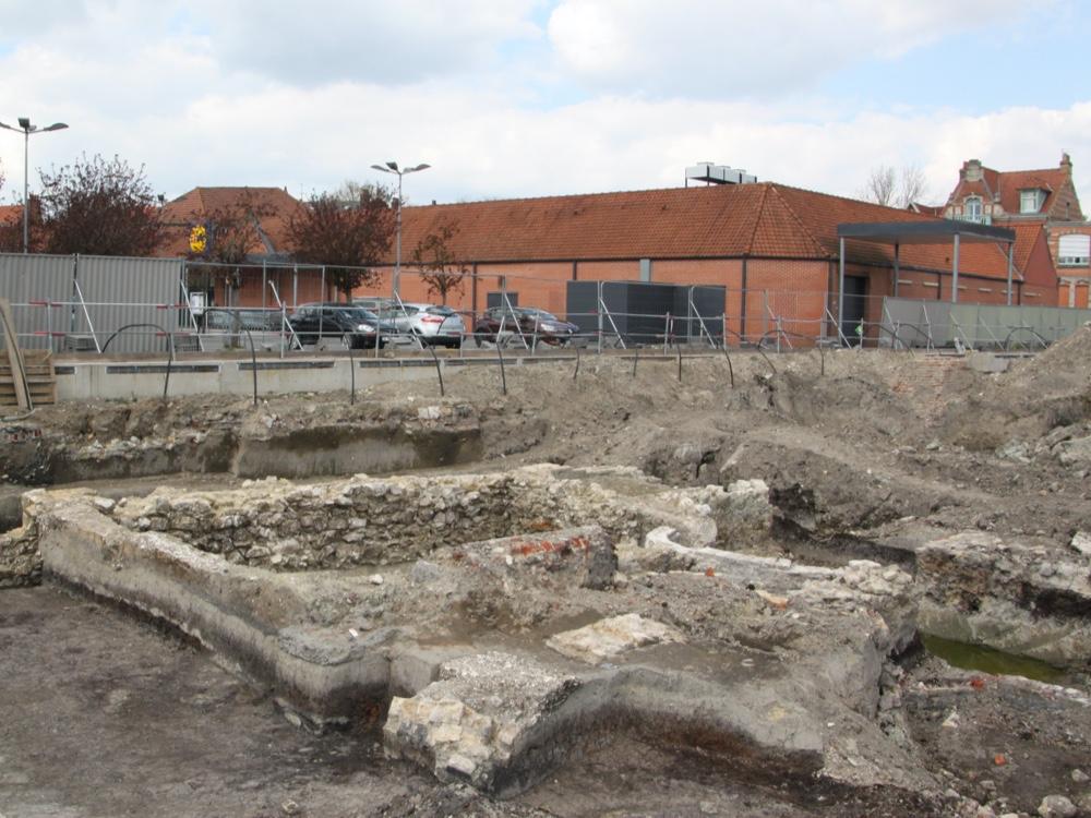 Helfaut Travaux, entreprise de terrassement, location de matériels avec chauffeur pour les fouilles archéologiques - Nord Pas de calais